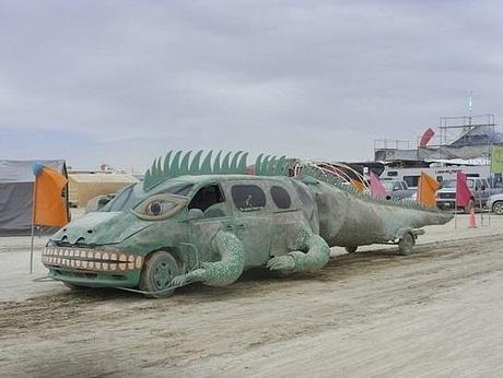 Lizard themed vehicle