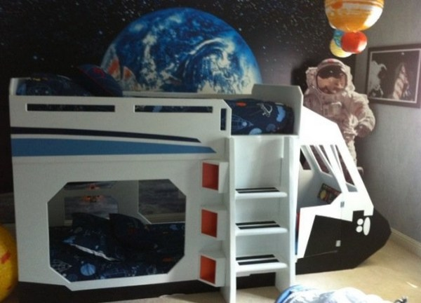 Top 10 Nerdy and Unusual Beds
