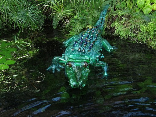 Top 10 Amazing Sculptures Made From Plastic Bottles