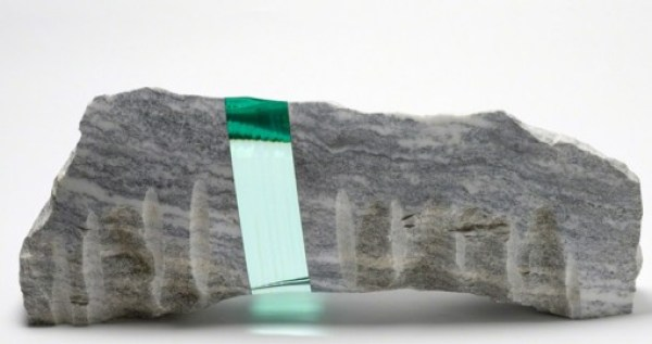 Top 10 Amazing Rocks and Stones With Layers of Glass