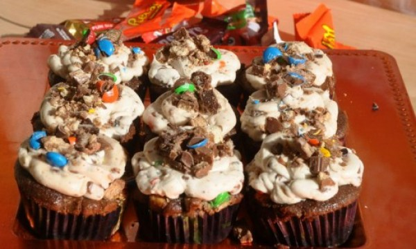 Leftover Halloween Candy Cupcakes