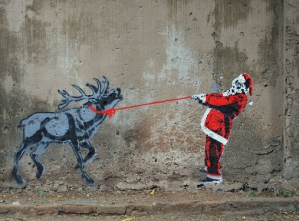 Top 10 Amazing Examples of Christmas Street Art