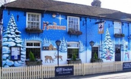 Top 10 Amazing Examples of Christmas Street Art