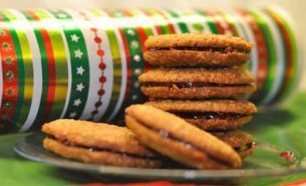 Spiced Cookies Made With Pringles