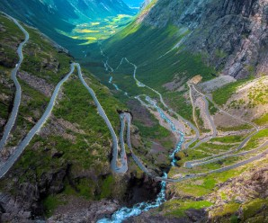 Top 10 Most Scariest and Beautiful Roads in the World