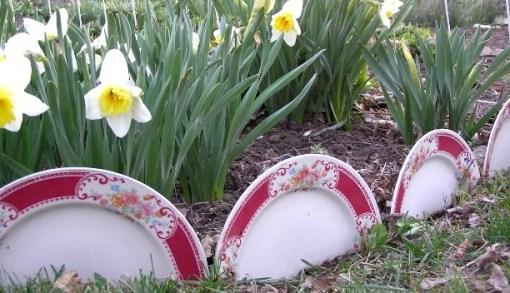 Ceramic Dinner Plates Transformed Into Garden Edging