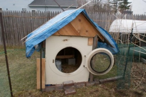 Chicken Coop Made From a Washing Machine