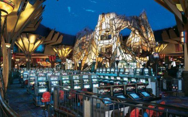 Mohegan Sun, Connecticut - 5,000 Slot Machines