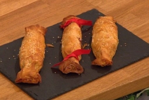 Chicken tarragon christmas crackers