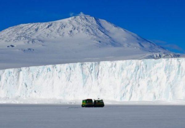 The Nimrod-Lennox-King Glacier, Antarctica