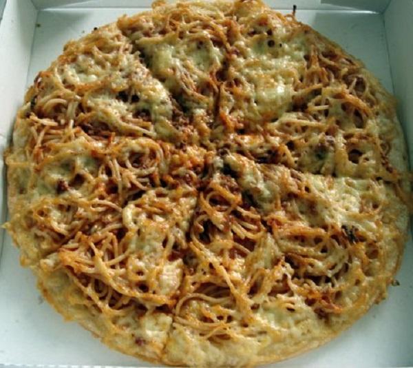 The Spaghetti Bolognese Pizza