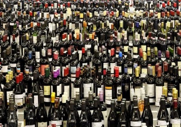 https://theverybesttop10.com/best-selling-wine-brands-2017/