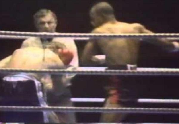 Lloyd Honeyghan VS Gene Hatcher