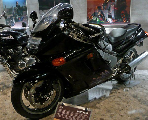 Kawasaki Ninja ZX-11