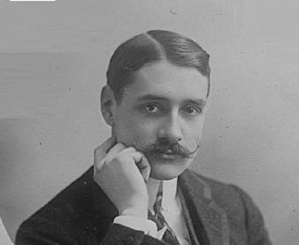 Robert Esnault-Pelterie