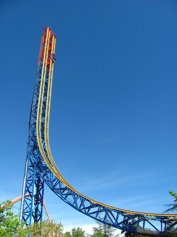 Superman: Escape from Krypton in Six Flags Magic Mountain, United States