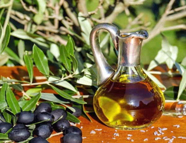 Eat Olives and Olive Oil on a Ketogenic Diet