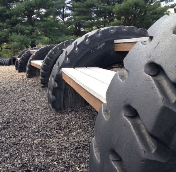 Picnic Table Made From an Old Tractor Tyre
