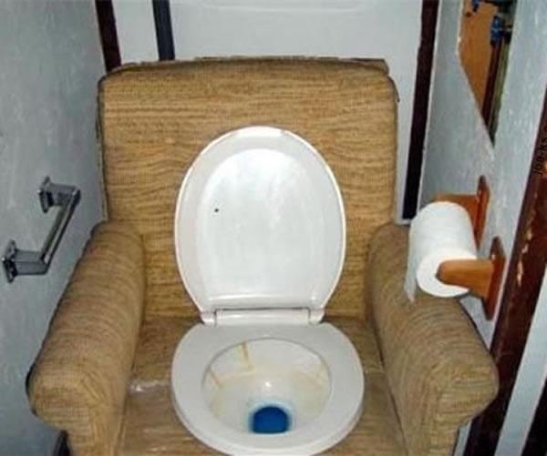 The Bro Pad Toilet