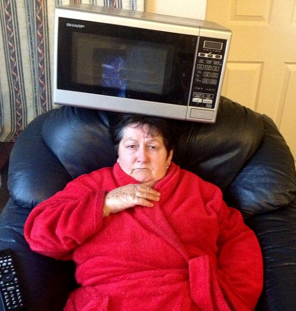 Microwave on Nan's Head