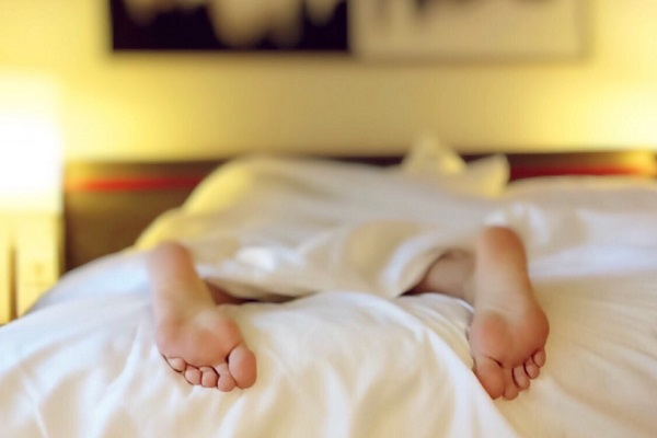 Techniques to Relax Your Muscles and Mind - Minimize exposure to screens before bedtime