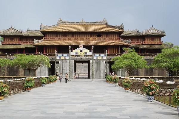 Cung đình Huế - The Huế Museum of Royal Fine Arts