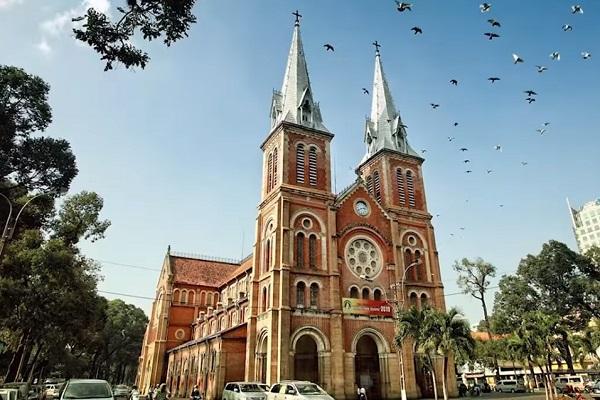 Nhà thờ Đức Bà - The Notre Dame Cathedral of Saigon