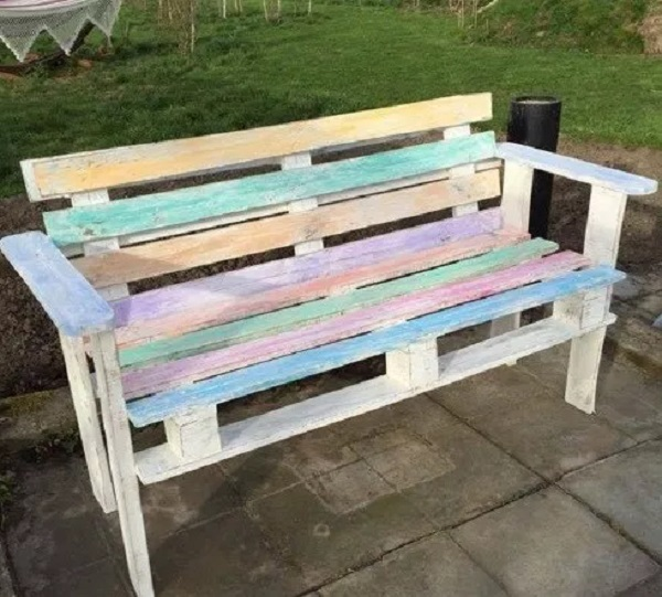A Garden Bench Made From a Recycled Wooden Pallet
