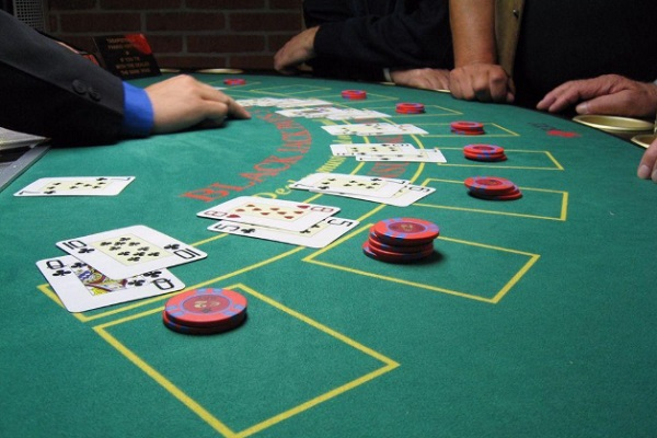 10 Simple Card Counting Tactics