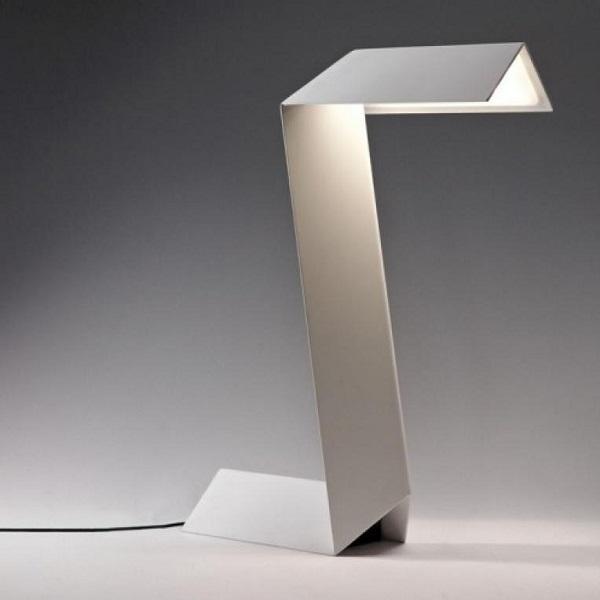 Yvotube Bedside Posable Lamp