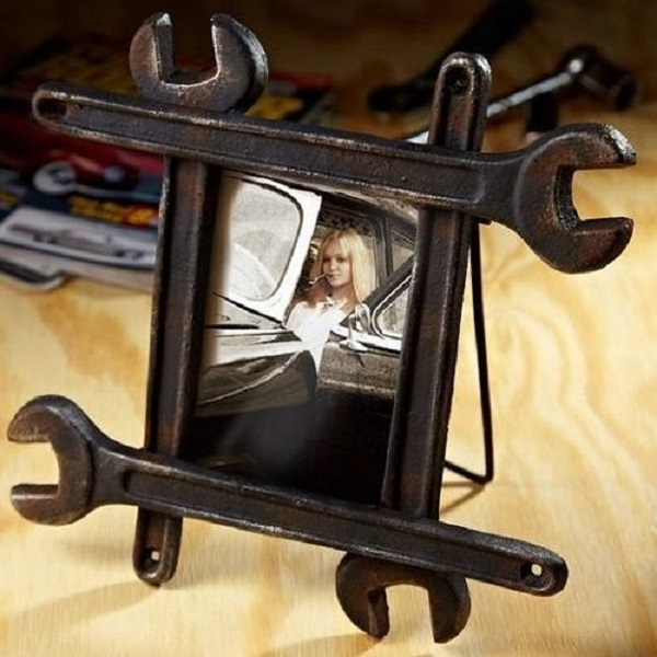 Spanner Turned into a Picture Frame