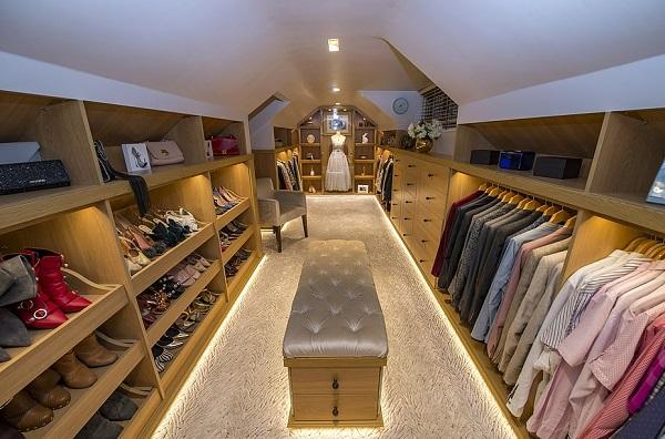 Turn Your Loft Conversion Into a Walk-in Wardrobe