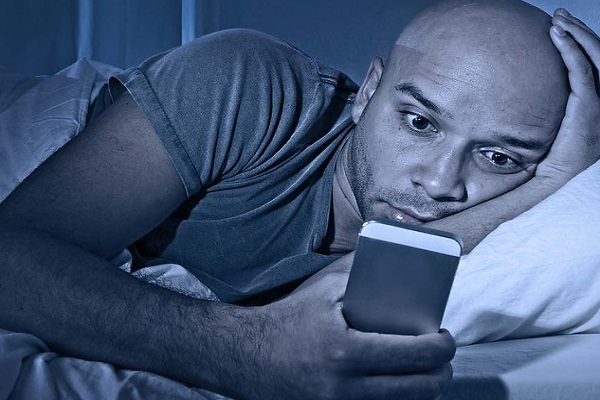 Organize Your Life - Avoid Phone in Bed