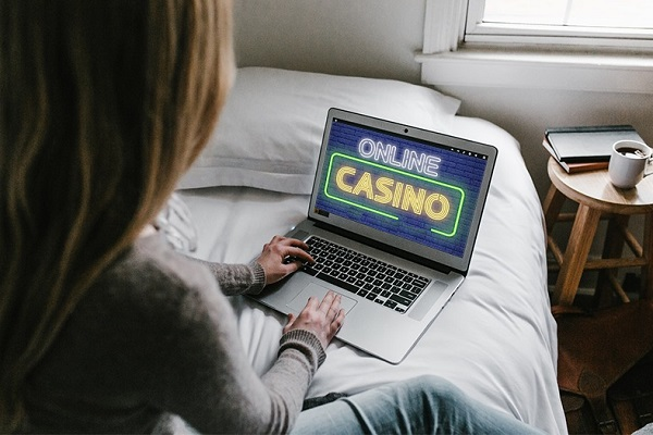 Play Online Casino Games with Friends
