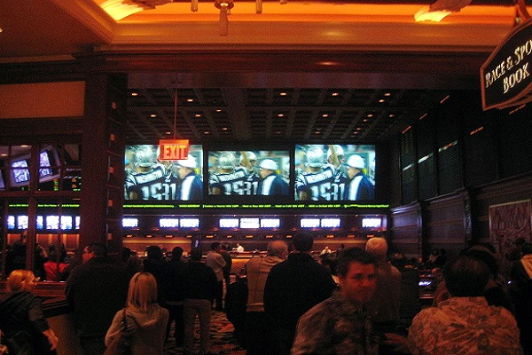 Sports betting can be intimidating to a newcomer but these easy-to-follow tips will help. Photo by: Burka (Wikimedia).