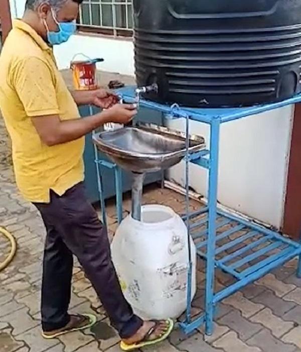 The Paddled Hand Washing Machine