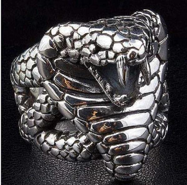 King Cobra Gothic Ring