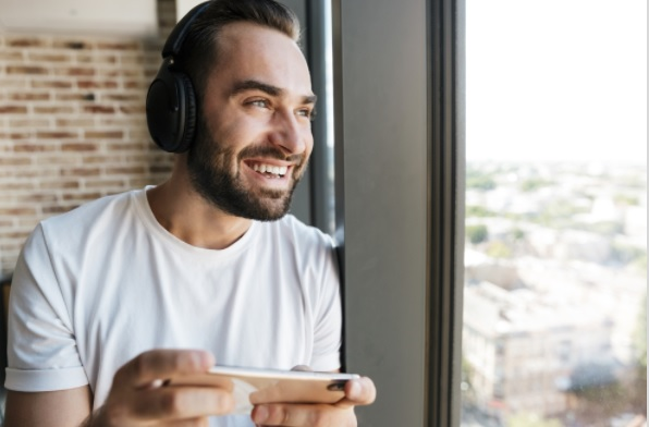 Top 10 Songs to Listen to When Playing Online Games