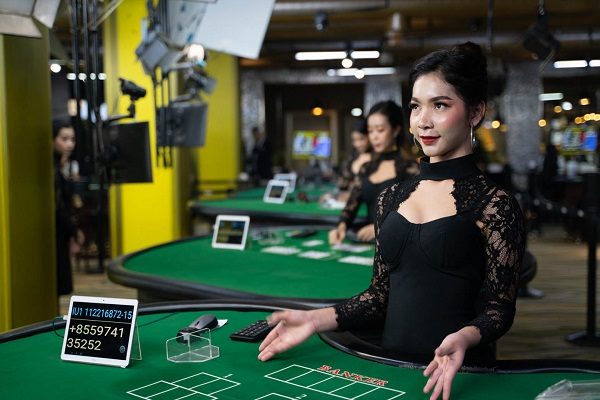 Introduction of live dealers