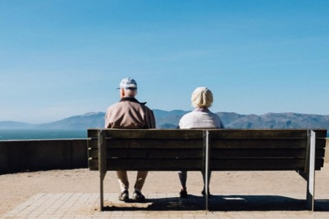 Ten Ways You Can Help Your Parents As They Age In Today's Busy World