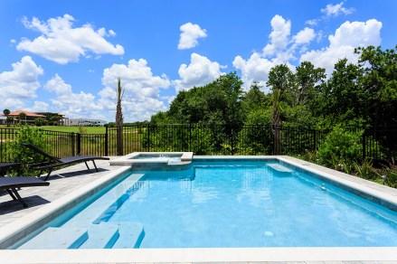 Reunion Resort 629 pool