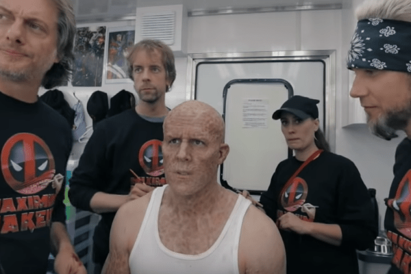 "Ryan Reynolds Makes A Spoof Make Up Tutorial For ""Deadpool"" image of Ryan Reynolds"