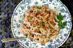 Italian pasta with a creamy walnut sauce