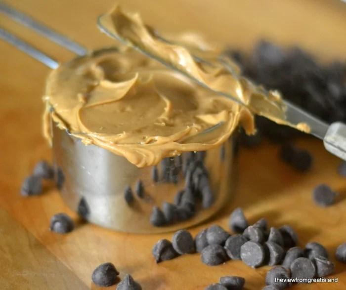 flourless cashew butter chocolate chip cookies 2