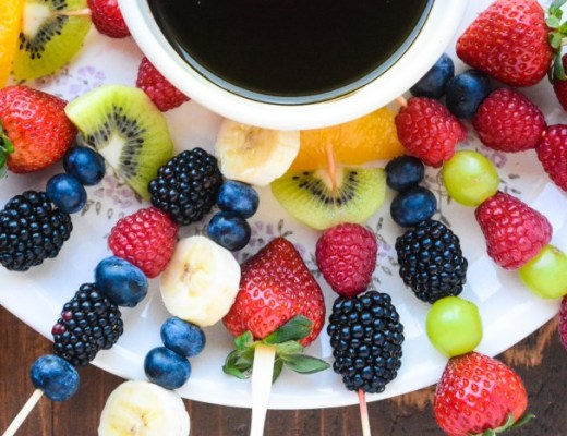 healthy fruit fondue with chocolate dipping sauce