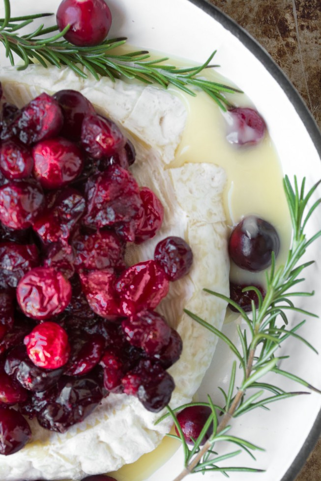 Roasted Cranberry Baked Brie appetizer recipe