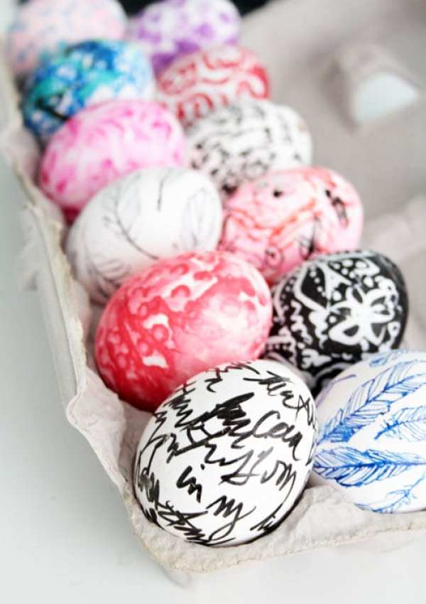EVERYDAY DECORATING EASTER EGGS by Alisa Burke