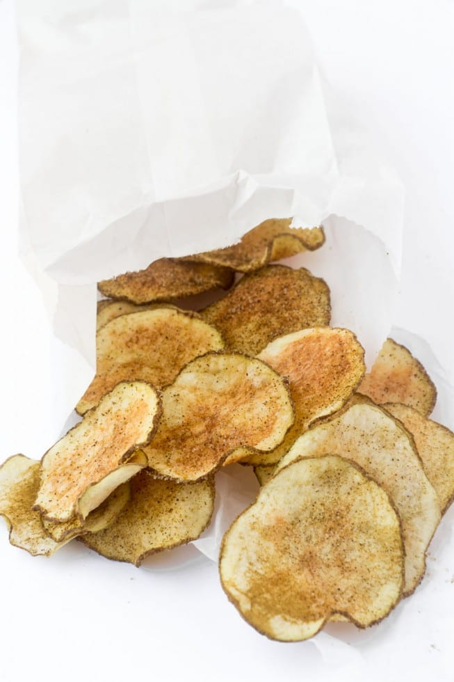 Skinny Microwave Jalapeno Chips are a fast and fun way to get your chip fix without the calories! | theviewfromgreatisland.com