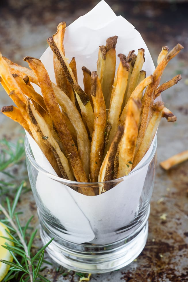 Skinny Fries --- oven baked to crispy perfection | theviewfromgreatisland.com