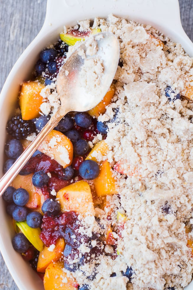 Summer Jumble Fruit Crumble is a multi-fruit crumble that's sure to please everybody! ~ theviewfromgreatisland.com